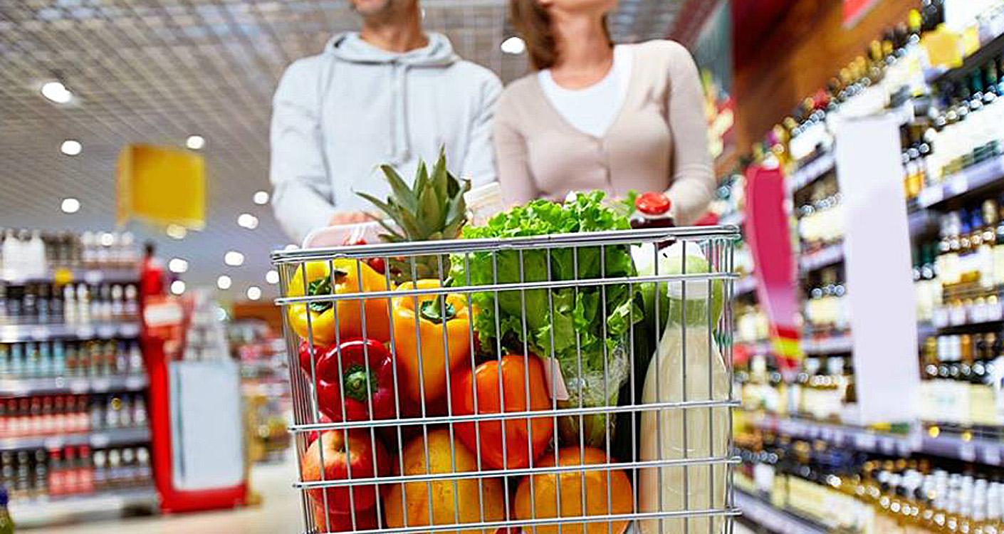Organic Vs Processed Food Shopping Cart