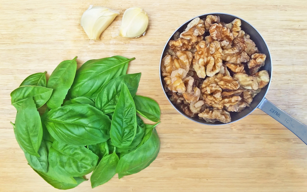 RECIPE: Vegan Basil Pesto - Healthy Eaton | Healthy Eaton