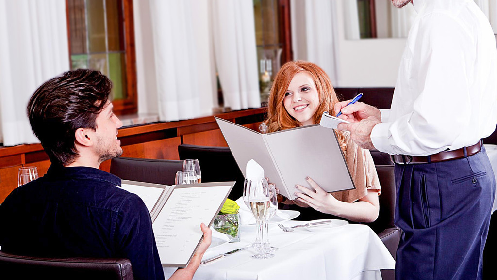 tips for eating healthy while eating out