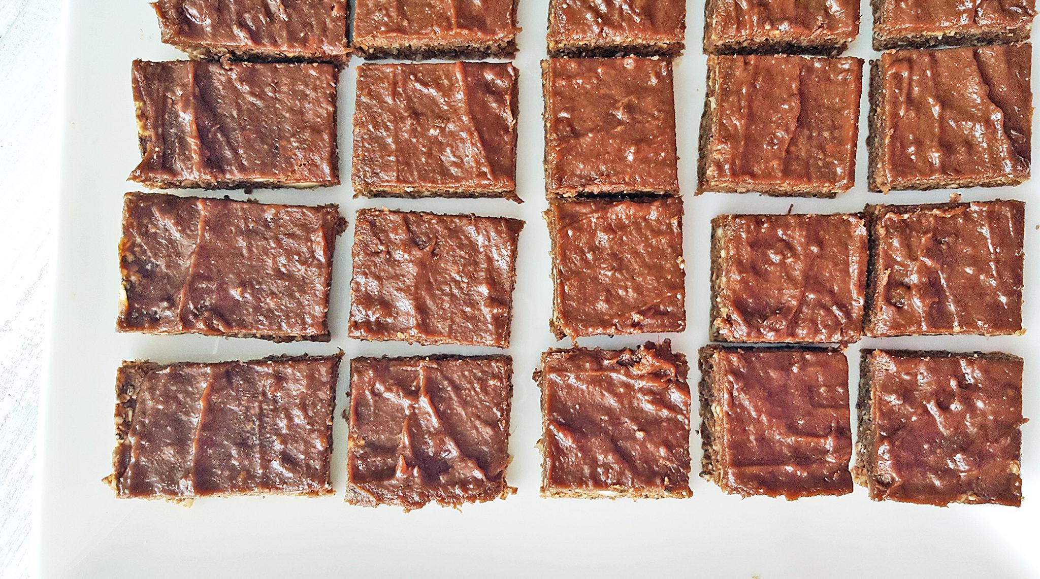 Recipe: Chocolate Date-Glazed Protein Bars