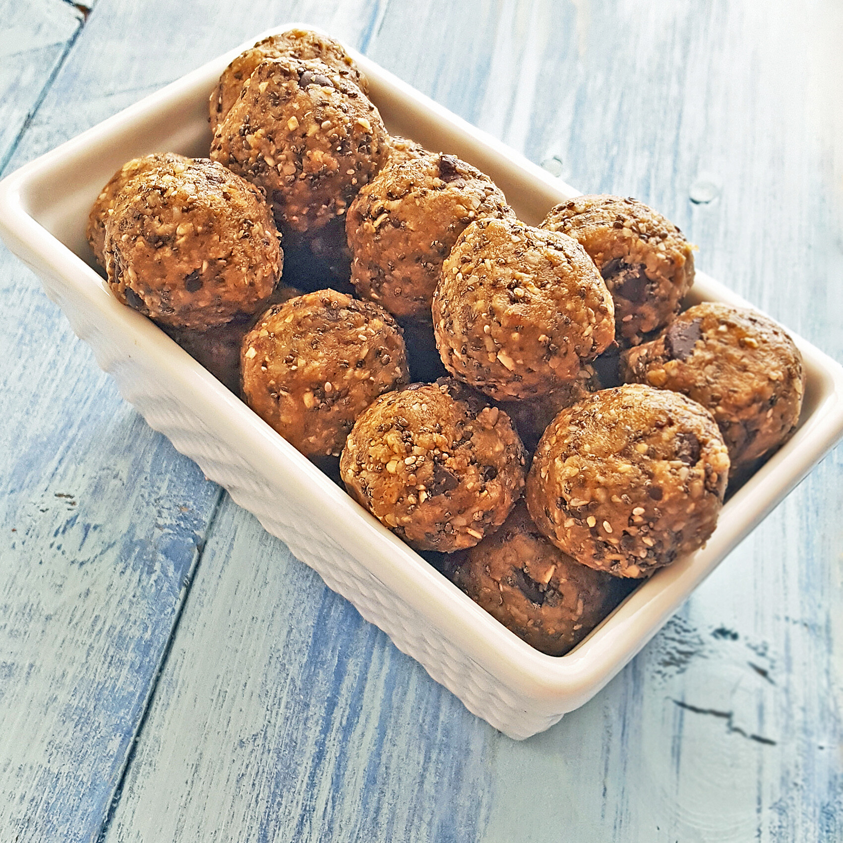 Raw Superfood Cookie Dough Protein Bites Recipe